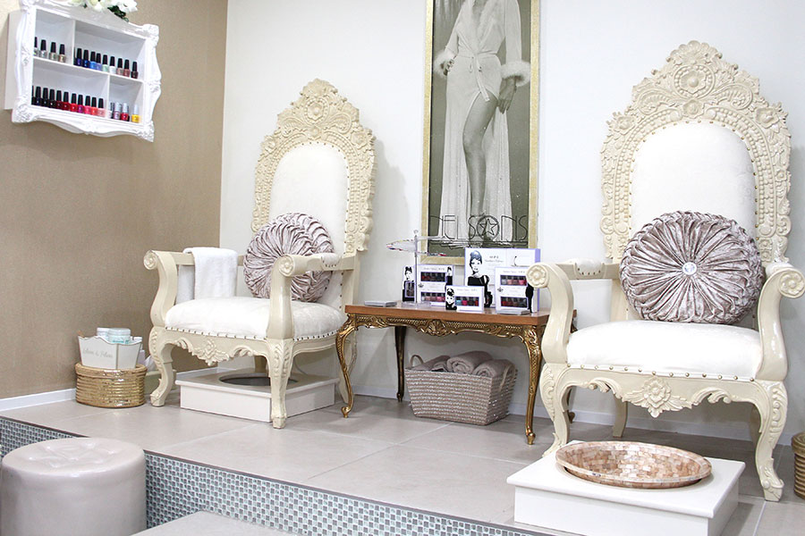 Lauren Elizabeth Beauty Chairs